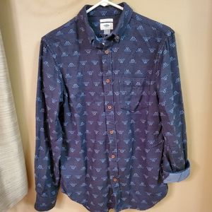 Old Navy Geometric Button Up